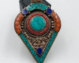 224.5 Crt Turquoise and Lapis Lazuli Nepali Pendent Brass Material