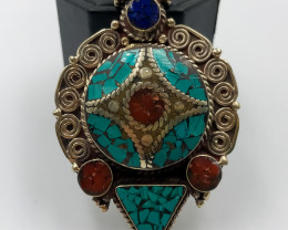 137 Crt Nepali Turquoise and Lapis Lazuli Pendent Brass Material