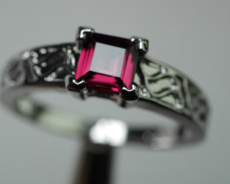 RHODOLITE GARNET  92.5 STERLING SILVER RING (8 US )