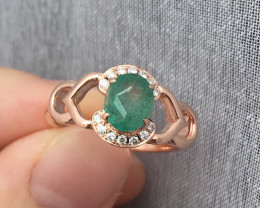 GR101 Green Emerald Solid 14K Yellow Gold Ring 3.821 grams