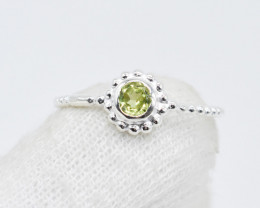 PERIDOT RING 925 STERLING SILVER NATURAL GEMSTONE GR32