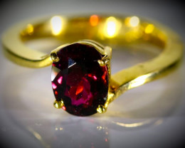 Rubellite 2.00ct Solid 18K Yellow Gold Ring
