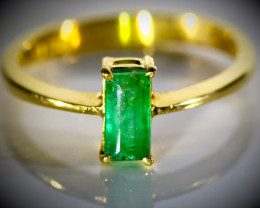 Emerald 1.10ct Solid 22K Yellow Gold Ring