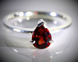 Pyrope Garnet 1.15ct Platinum Finish Solid 925 Sterling Silver Ring