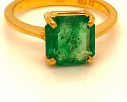 Emerald 2.52ct Solid 22K Yellow Gold Ring