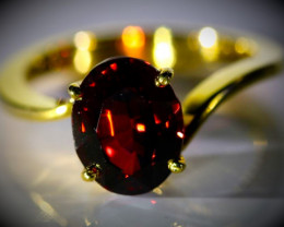 Malaya Garnet 4.33ct Solid 18K Yellow Gold Ring