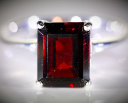 Pyrope Garnet 4.45ct Platinum Finish Solid 925 Sterling Silver Ring