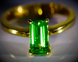 Tsavorite Garnet 1.49ct Solid 22K Yellow Gold Ring