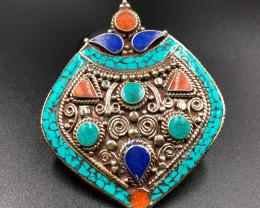 214.5 Crt Turquoise And Lapis Lazuli Nepali Pendant Brass Materail