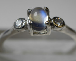 NATURAL RAINBOW ( MOONSTONE ) 92.5 STERLING SILVER RING SIZE  ( 6.75 US )