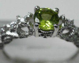 BEAUTY PERIDOT 92.5 STARLING  SILVER RING  [6.75US ] R5