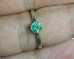 6.00 Carats natural emerald 925 Silver Ring, 5x5x3 mm.