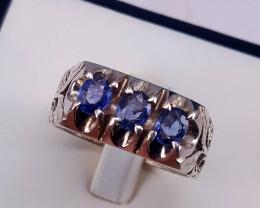 Gorgoues Natural  Sapphire Men Ring.