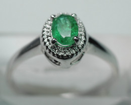 NATURAL EMERALD OVAL SHAPE 92.5 STERLING RING ( 7.00  US  )