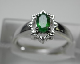 NATURAL EMERALD OVAL  SHAPE 92.5 STERLING RING (7.25  US)