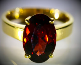 Malaya Garnet 11.50ct Solid 18K Yellow Gold Ring  6.42g