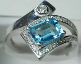 NATURAL BLUE TOPAZ   92.5 STERLING RING (8 00 US) Z10