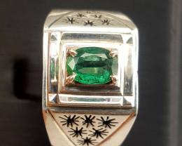 Gorgoues Natural Emerald Men Ring.