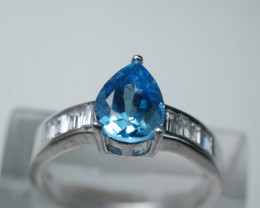 NATURAL BLUE TOPAZ PEAR  SHAPE 92.5 STERLING RING (9.00 US)Z5