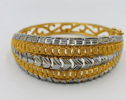 170 Crt  Gold Gilded Bangle Brass Material
