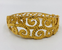 155 Crt  Gold Gilded Bangle Brass Material