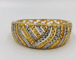 190 Crt  Gold Gilded Bangle Brass Material