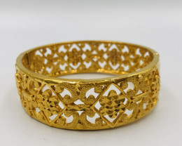 235 Crt  Gold Gilded Bangle Brass Material