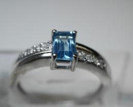 NATURAL BLUE TOPAZ SHAPE 92.5 STERLING RING ( 7.00 US ) Z8