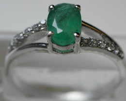 NATURAL EMERALD OVAL SHAPE 92.5 STERLING RING ( 8.25 US ) Z3