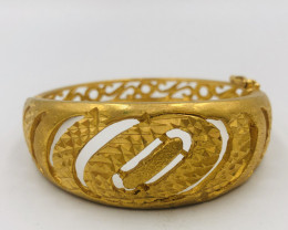 185 Crt  Gold Gilded Bangle Brass Material