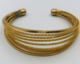 105 Crt  Gold Gilded Bangle Brass Material