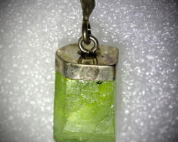 Peridot Crystal 12.60ct Solid 925 Sterling Silver Pendant