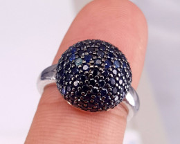 Gorgoues Natural Sapphire Ring.