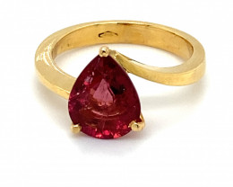 Red Tourmaline 3.02ct Solid 18K Yellow Gold Ring