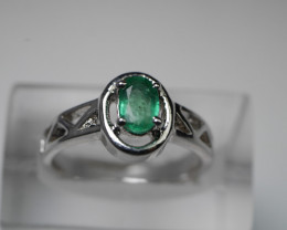 NATURAL EMERALD 92.5  SOLID SILVER STERLING RING ( 7.00 US )