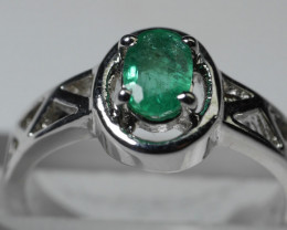 BEAUTY EMERALD OVAL SHAPE 92.5 SOLID SILVER RING SIZE ( 7 US )