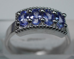 NATURAL  TANZANITE  OVAL  SHAPE 92.5 SOLID SILVER RING SIZE ( 7 50 US )
