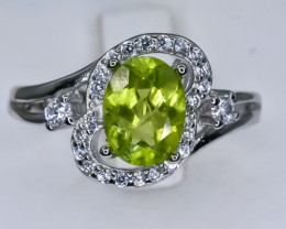 15.97 Crt Natural Peridot With Cubic Zirconia 925 Silver Ring