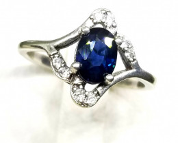 9.30ct Natural (Heated) Sapphire in 925 Sterling Silver Ring.
