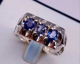 Gorgoues Natural  Sapphire Men Ring.