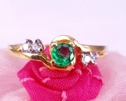 18k Gold Natural Emerald and Diamond Ring.
