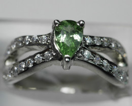 WONDERFUL  PERIDOT PEAR  SHAPE 92.5 SOLID SILVER STERLING RING ( 6.00 US )