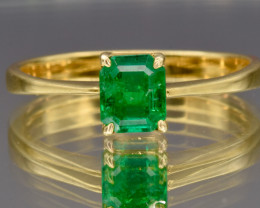 18k Colombian Natural Emerald and 18k Gold Ring
