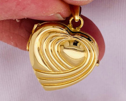7.2 GRAMS 18K GOLD HEART LOCKET 7.2 GRAMS L617