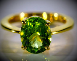 Peridot 2.60ct Solid 18K Yellow Gold Ring 5.2g 750