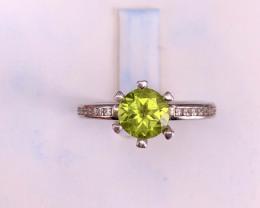 3 carats peridot and Zircon Rings