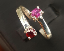 Natural Kashmir Sapphire and Ruby Ring.