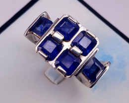 Beautiful Natural Sapphire Ring.