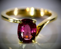 Rubellite 2.02ct Solid 18K Yellow Gold Ring