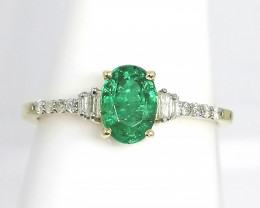 SOLID GOLD - Emerald and Diamond Ring 0.92 TCW